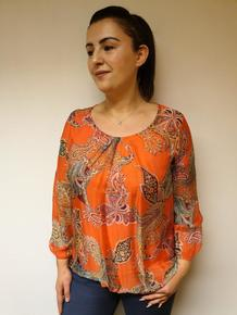 FORET SILKE/VISCOSE TOPP MED STRIKK NEDE. ORANGE
